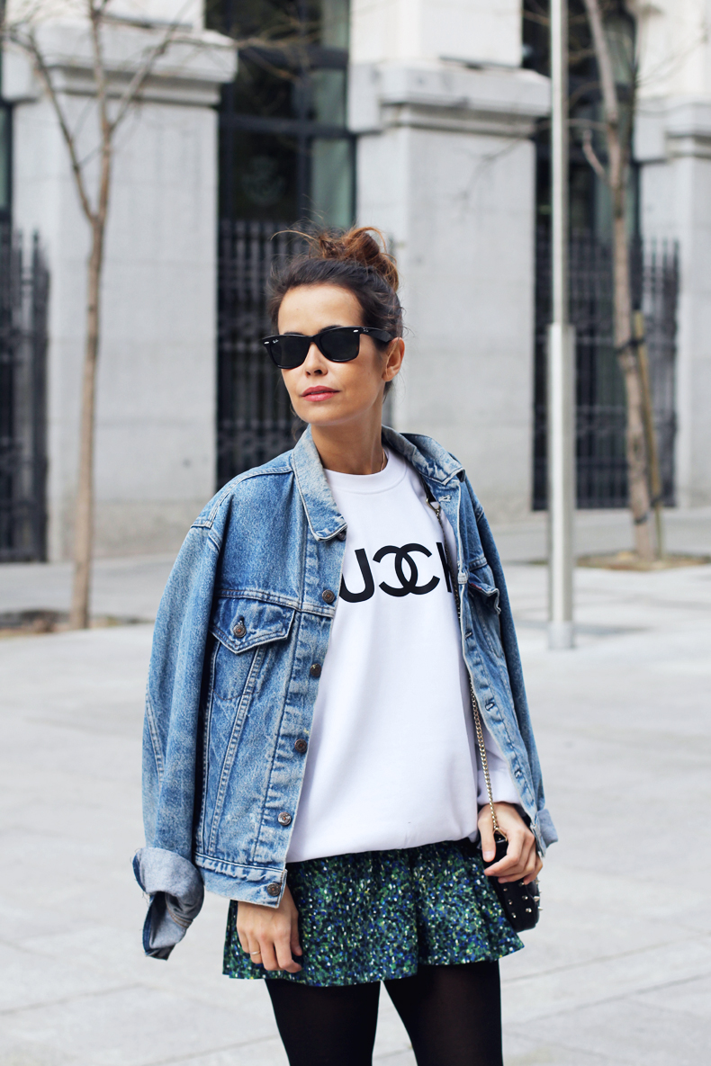 fuck_sweatshirt-denim_jacket-levis-floral_skirt_oliveclothing-outfit-street_style-17.jpg