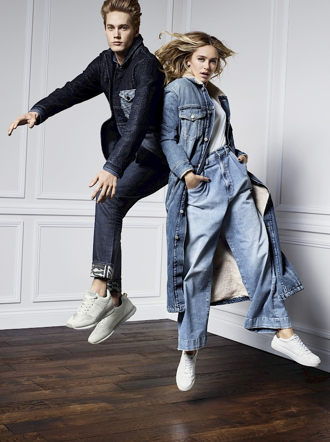 pepe_jeans_aw17_campaign_-_come_together-_blue_union.jpg